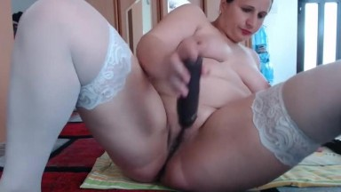 Chubby brige is masturbating while waiting for her husband