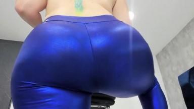 Pov cam of huge ass twerking