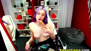 Gothic Babe Dildo Fucks Her Pretty Cunt