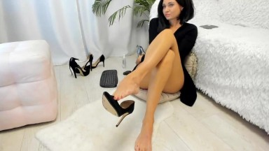 Sexy bare legs of my queen