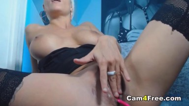Blonde Chick Wanked Her Pussy With Big Dildo