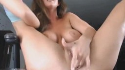Big Tits Babe Plays Her Wet Cunt