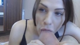 Pretty Chick Does a Super Hot Deepthroat