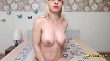Amateur Blonde MOM with Glasses Solo Masturbation