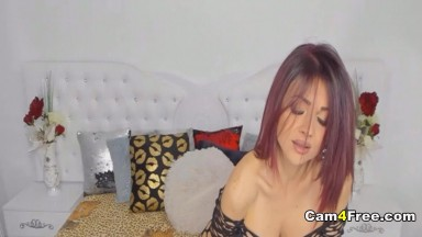 Pretty Sexy Hot Chick Play Her Pussy Till Squirt
