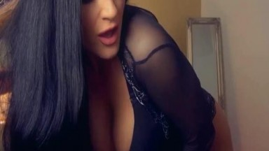 Elegant Goddess And Her Sexy Sizzling Hot Performance Live
