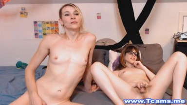Hot Shemales Masturbates Together On Cam Show