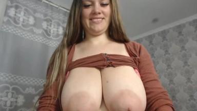 Cute 18yo GF Fucked Hard And Got Cumshot On Tits
