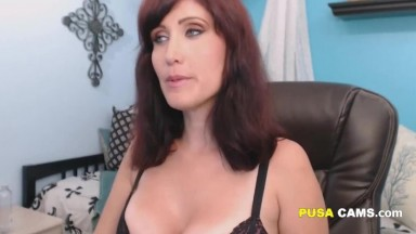 An Horny Amateur American MILF with Big Tits Show