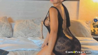 Thick Ass Babe fuck Herself on Cam